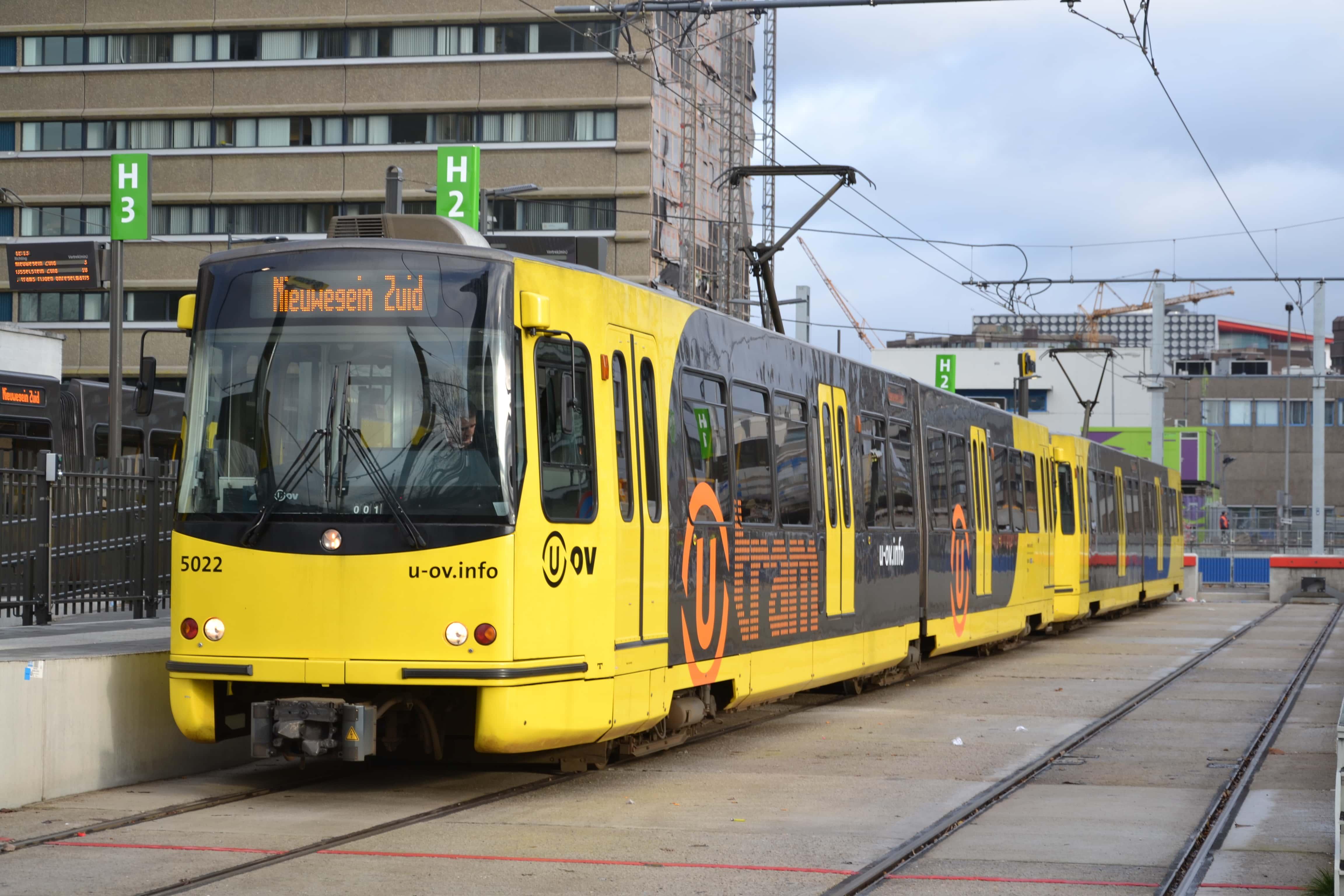 Qbuzz_5022_als_U-tram,_Jaarbeursplein